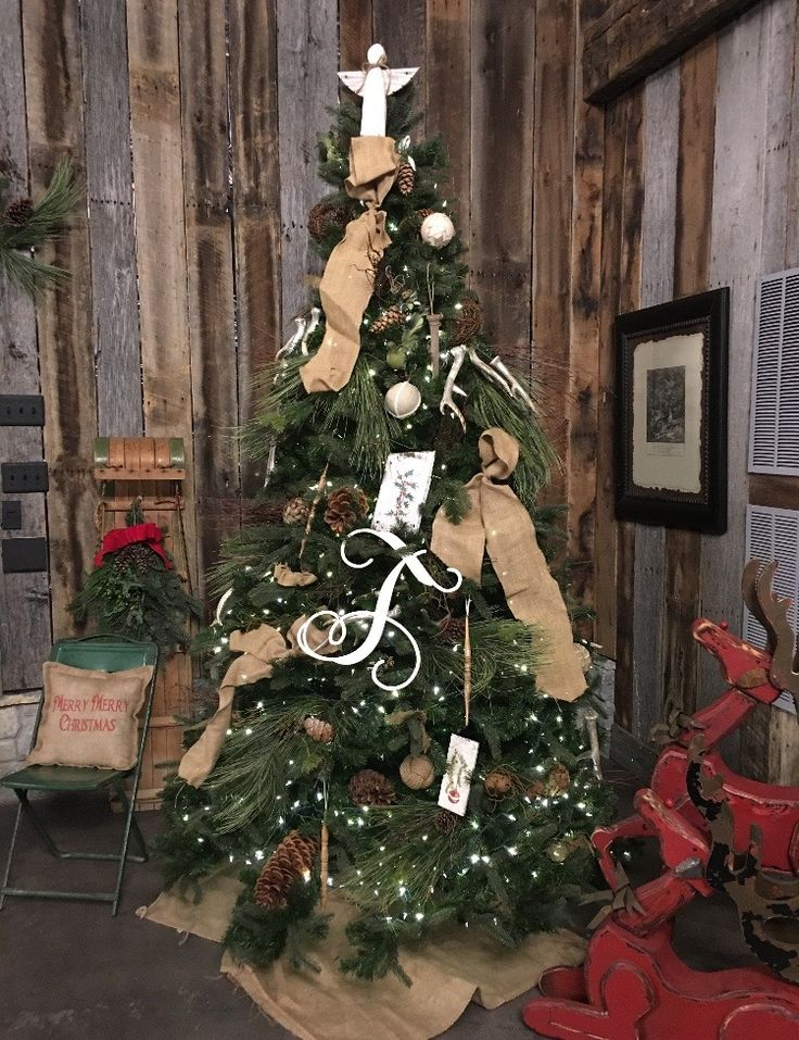 Amish Christmas Tree