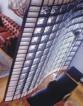 Стены из стекла: стеклоблоки в интерьере