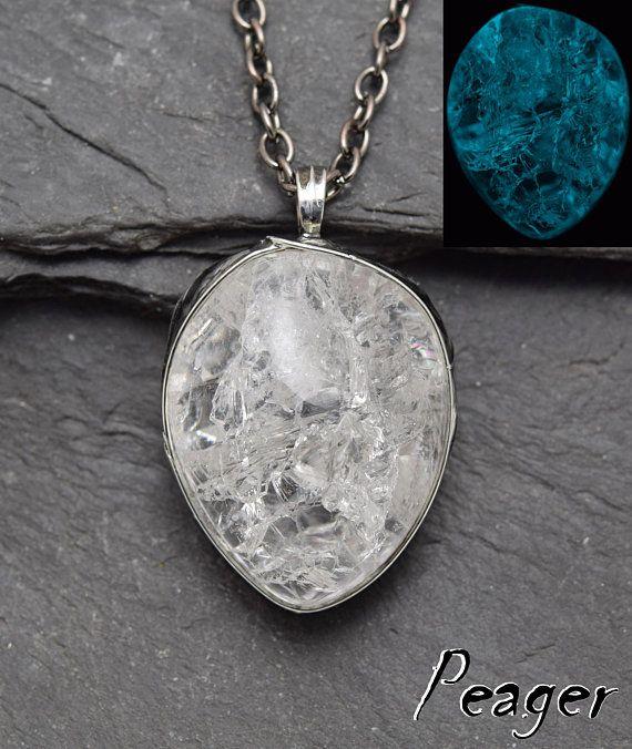 Cracked Quartz Pendantrustical pendantCracked Crystal