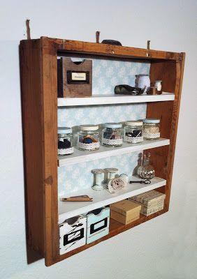 Regal aus alter Schublade / Shelf from old drawer