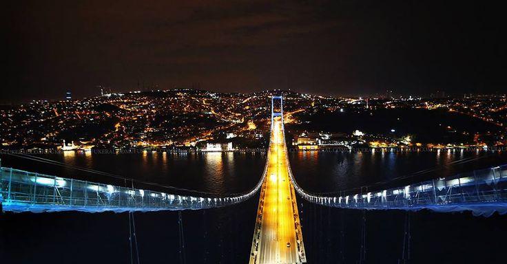 從不同的角度欣賞博斯普魯斯大橋Boğaz Köprüsü夜景。 ©Ufuk Eral