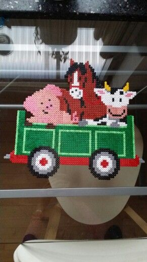 #green #tractor #hama #perler #pearlbeads #creative #hobby #creation #beads #farmanimals #animal #babyroom #cat #dog #horse  #pig #cow