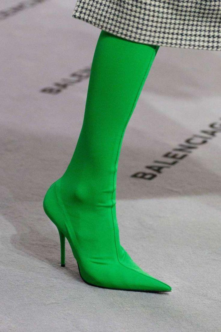Scarpe Autunno Inverno 2017-2018 dalle sfilate di Parigi - Stivali verdi Balenciaga