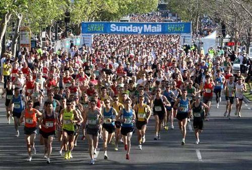 City Bay run run 2010, Adelaide. I'm in all black on the far left of shot