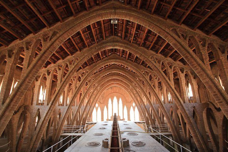 Catedral del Vi (Pinell de Brai)   Patronat de Turisme Terres de l'Ebre