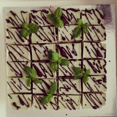 Matcha-mint raw cake