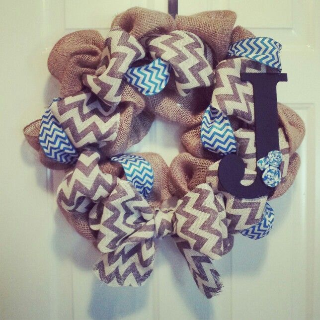 Burlap wreath with chevron ribbon home decorating ideas for Burlap ribbon craft ideas