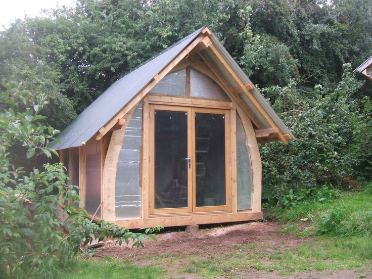 30 best images about cruck frames on pinterest natural for Cruck frame house plans