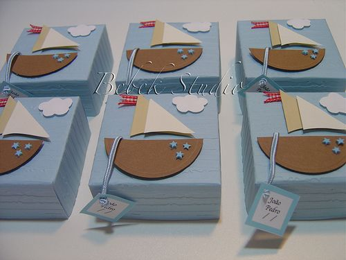 party favor box Stampin' Up Punch Art...website is in Spanish but I think I can figure out the punch pieces.  Cute.
