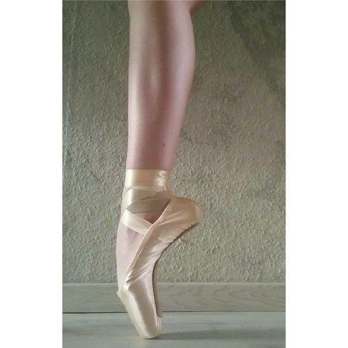 #ariana  #arco -  #gimnasia,  negro,  #star -  #dolor  #precioso -  hermoso -  rosa,  elastic,  space