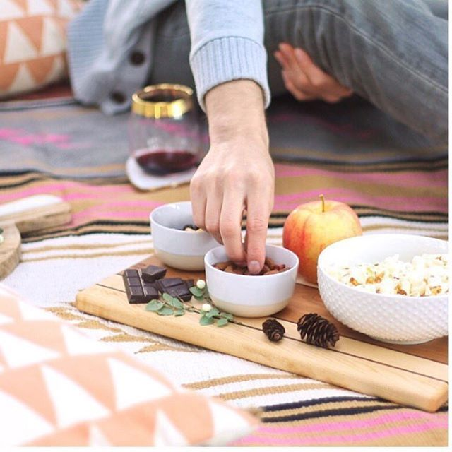 How amazing does @justinecelina's wine picnic in the Canadian Rockies look?😍 Her picnic was made complete with the @emersonpringlecarpentry Cressy serving board, now back in stock.🙌🏼 #madeincanada #servingboard #picnic #woodworking #entertaining #wine #snacks