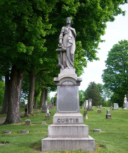 essay on woodlawn cemetery Fax: (315) 479-7743 woodlawn cemetery was established in 1881 it is a non-denominational, non-for-profit cemetery serving the people of central new york it has almost 70 in-ground burial.