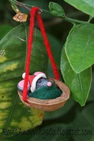 [retro walnut mouse ornament 1[3].jpg]
