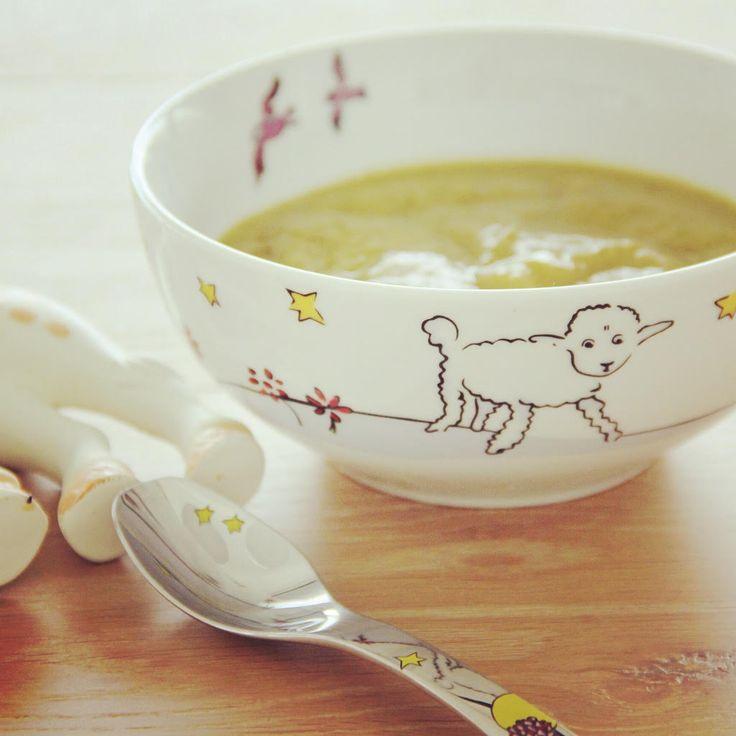 Ricas em ferro, zinco e fósforo, as ervilhas são um ótimo alimento para a sopa do bebé.