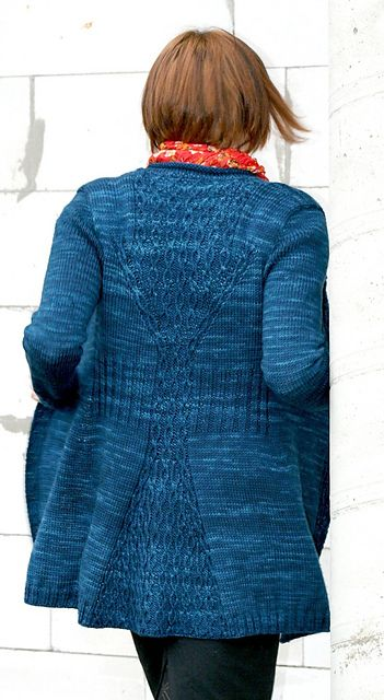 Cabletta Cardigan by Hanna Maciejewska. Rios Merino machine washable wool. Azul Profundo color.