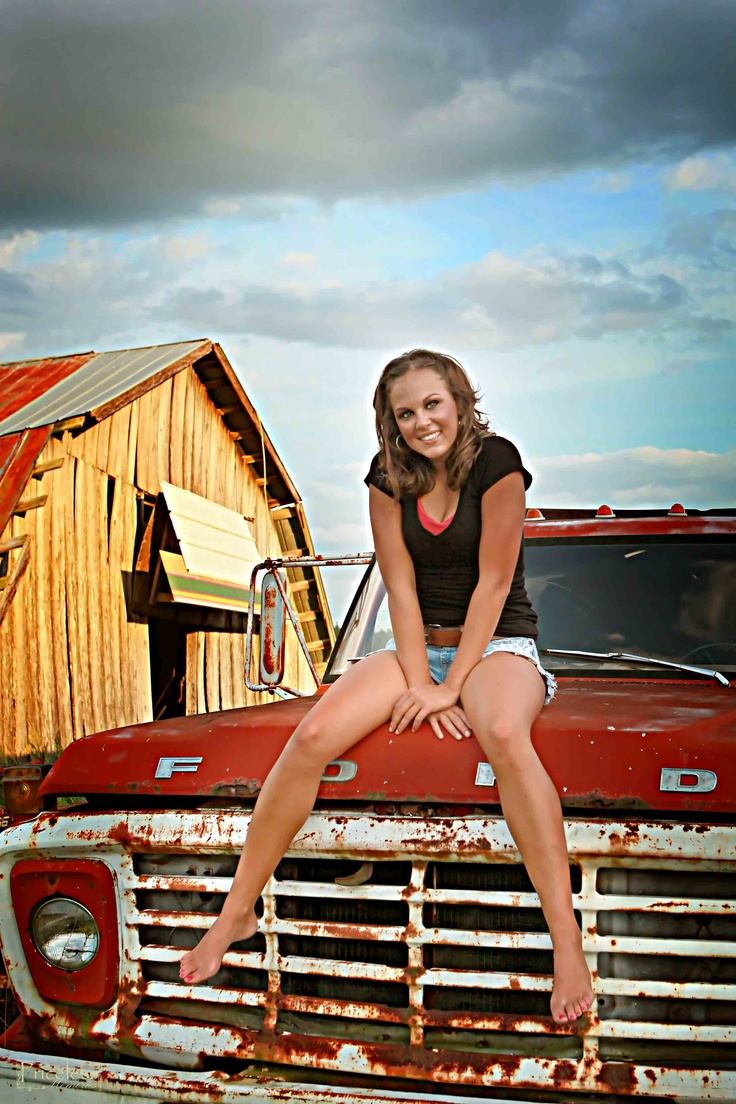 Old trucks and hot nude girls