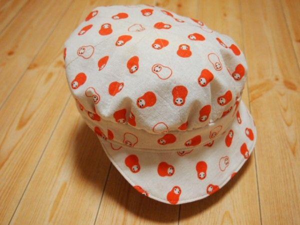 「100均手ぬぐいで作る簡単キャスケット帽子の作り方」のアイデア・事例などを紹介しています。