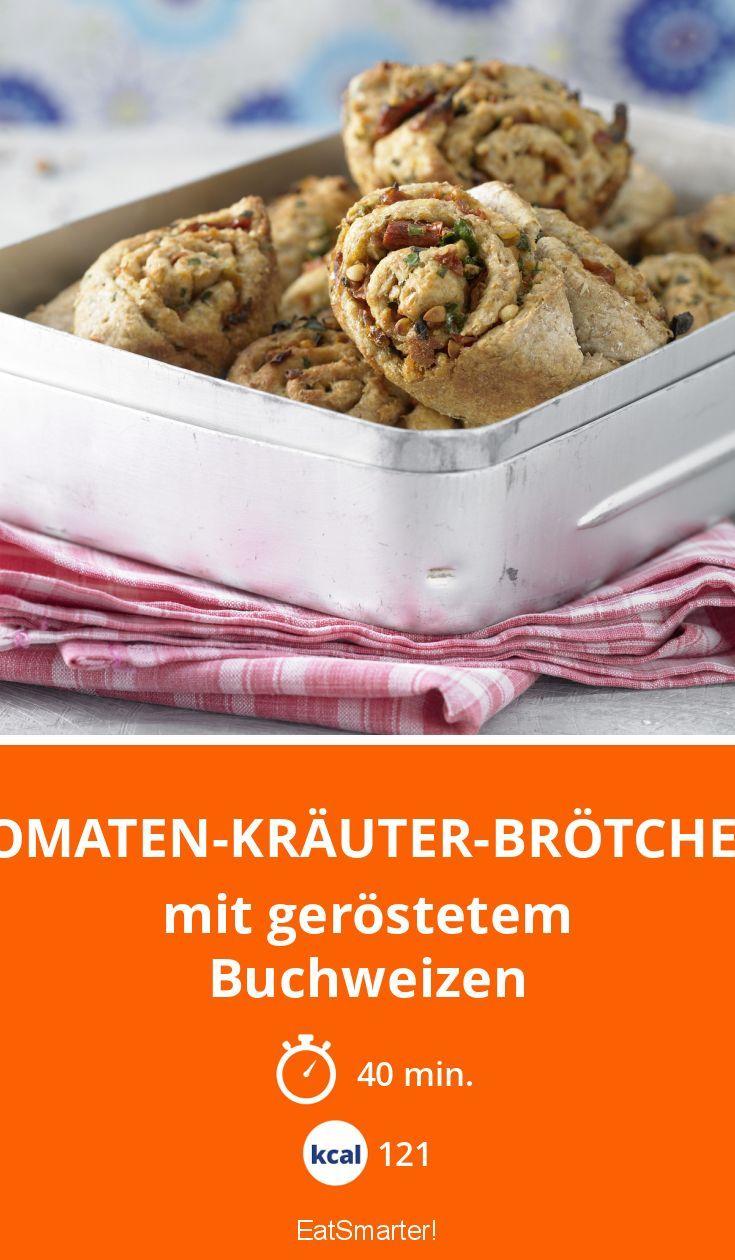 Tomaten-Kräuter-Brötchen - mit geröstetem Buchweizen - smarter - Kalorien: 121 Kcal - Zeit: 40 Min. | eatsmarter.de