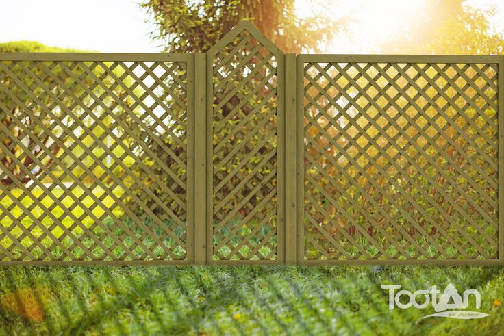 les 29 meilleures images du tableau palissade bois tootan sur pinterest palissade bois. Black Bedroom Furniture Sets. Home Design Ideas