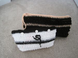 Makeup bag free crochet pattern