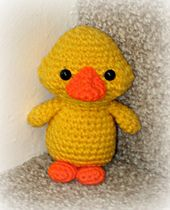 http://www.ravelry.com/patterns/library/yellow-duckling