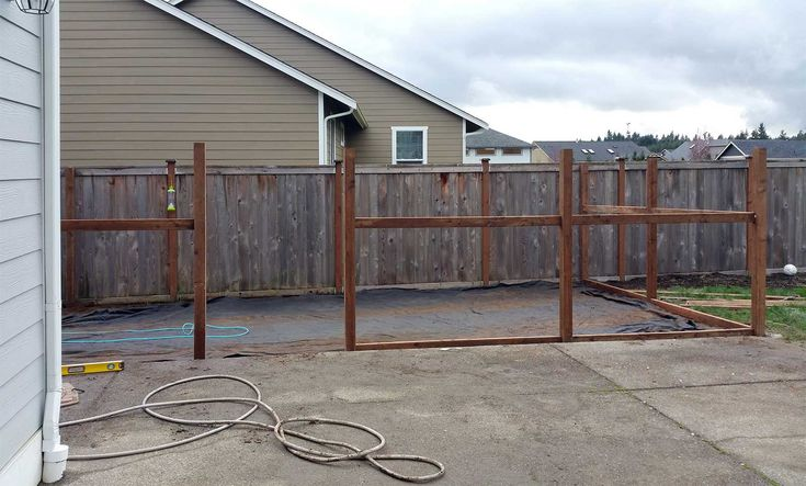 8 best east olympia kennel with cedar chips images on for Cedar shavings for dog kennels