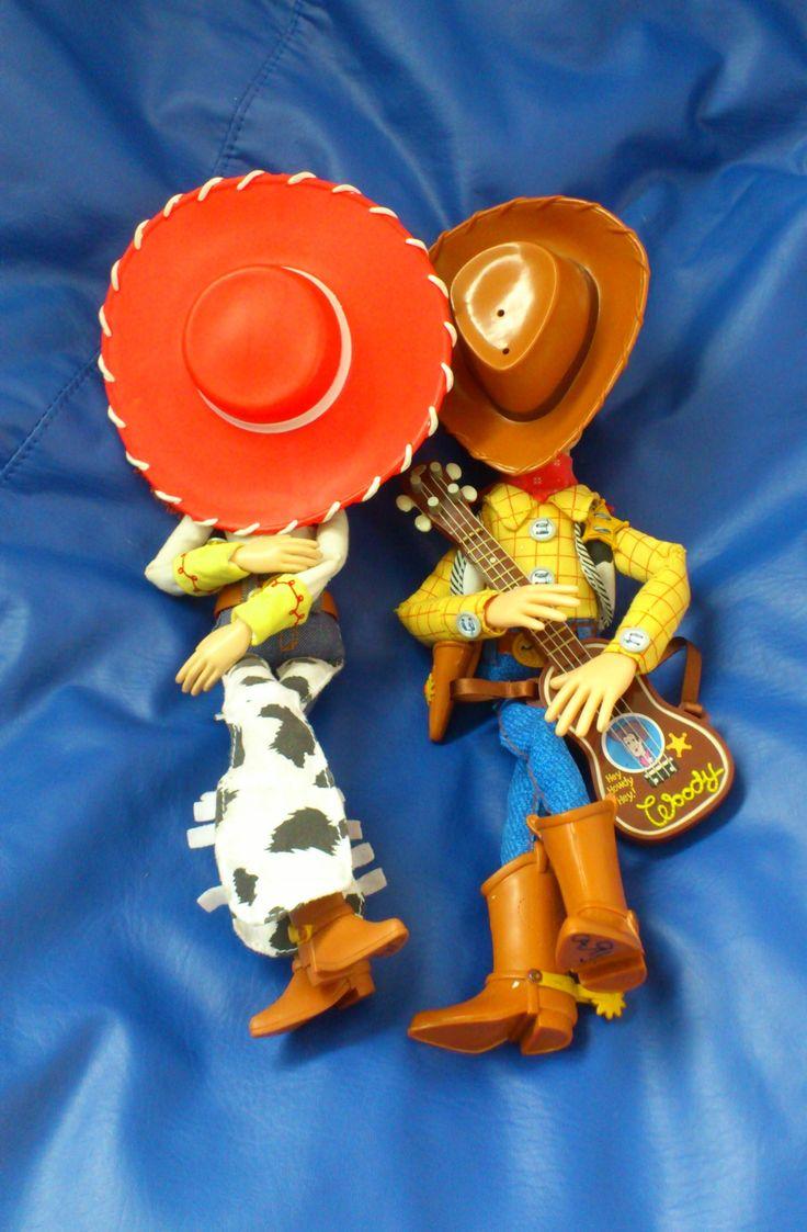 Jessie y Woody dormidos