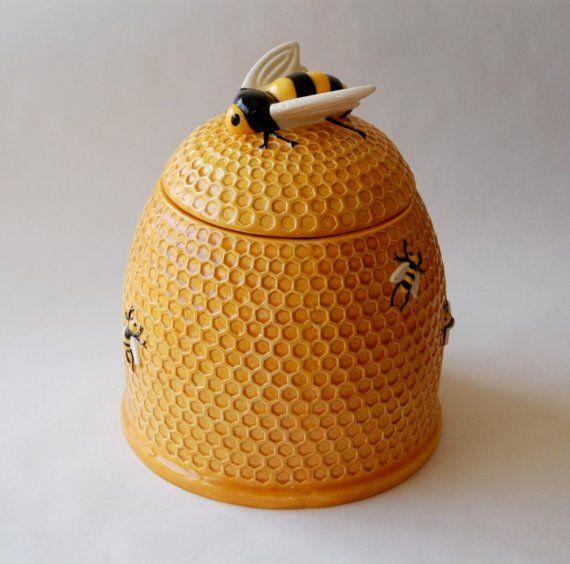 Bee hive cookie jar cookie jars bees and vintage cookies - Beehive cookie jar ...