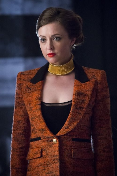 Hannibal Fashion: Margot Verger (Katharine Isabelle) in red jacket with gold choker