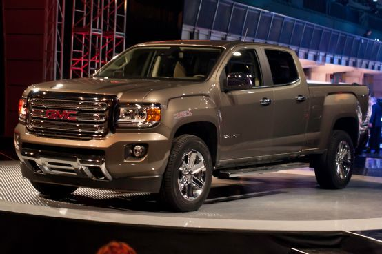 First Look: 2015 GMC Canyon Colorado's Stylish, Squarer Sibling