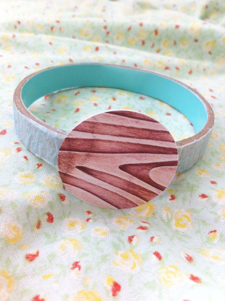 Armband van karton