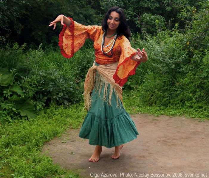 Romani Gypsy dance in photos. Gypsy dance by Olga Azarova