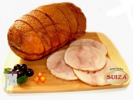 Dicen los expertos que la carne de cerdo puede crear mucho colesterol por el alto contenido en grasas saturadas, pero también dicen que de vez en cuando es necesario. Que sabroso disfrutar de algunas tajadas de buen Pernil de Cerdo? USD$65