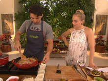 http://gshow.globo.com/receitas/estrelas/torta-de-caranguejo-e-arroz-de-cuxa-do-romulo-estrela-566c470d4d388535a500003f