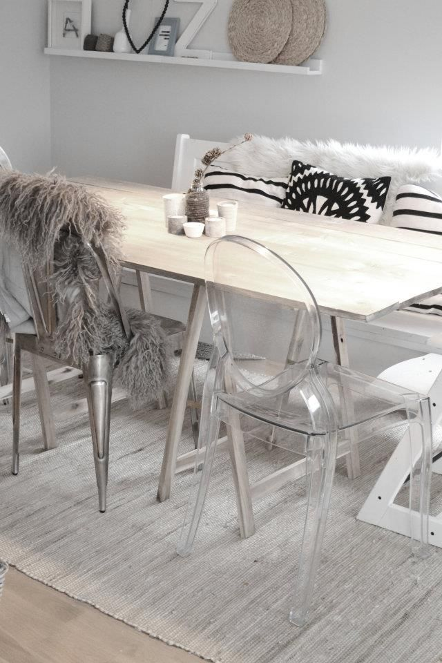 Louis Ghost chair by Philippe Starck for Kartell
