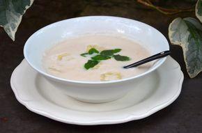 Une recette que j'ai découvert dans un restaurant Thaïe et que je n'ai pu m'empêcher de refaire tellement c'était bon! Ingrédients pour 2 personnes : 400 ml de lait de coco 2 bananes 1 pincée de sel 30 g de sucre 2 gousses de vanilles feuilles de menthe...