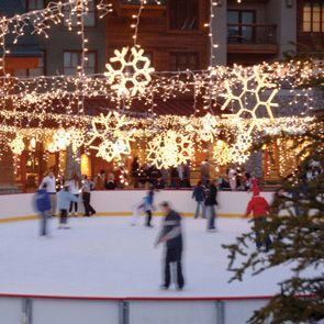 Heavenly Ice Rink Heavenly's ice rink is also located right in the middle of the resort's village and is decorated with lighted snowflakes and fairy lights. A daily pass and skate rental is about $16 and you are close to the casinos, shops and restaurants of Heavenly.