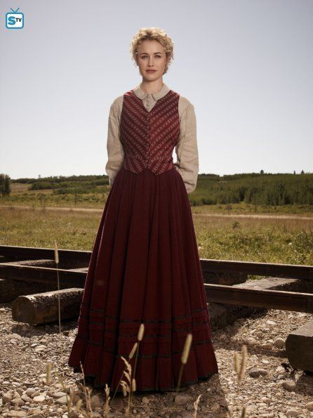 Lily Bell (Dominique McElligott) - Hell On Wheels -