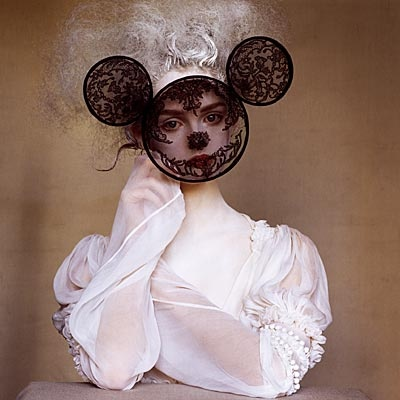Irving PennMice, Lace, Lisa Cant, Dark Hair, Minnie Mouse, Masks, Irving Penne, Fashion Photography, Vogue Magazines
