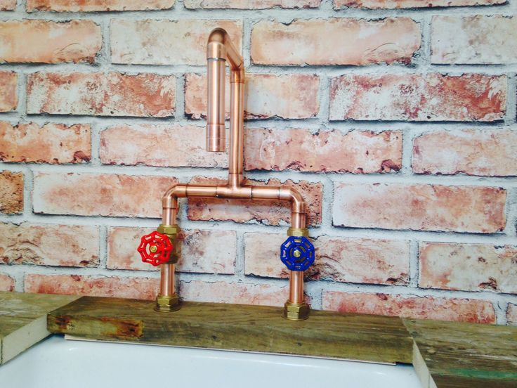22mm Copper Tap with Red @ Blue gate valves.