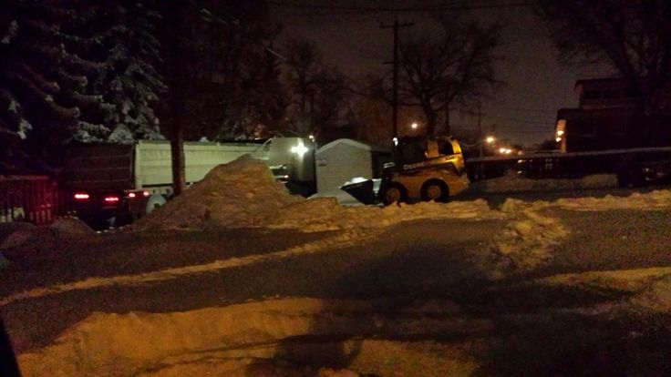#snowremoval #Edmonton #Hauling This was on our midnight shift during the last snow storm in Edmonton, Alberta.