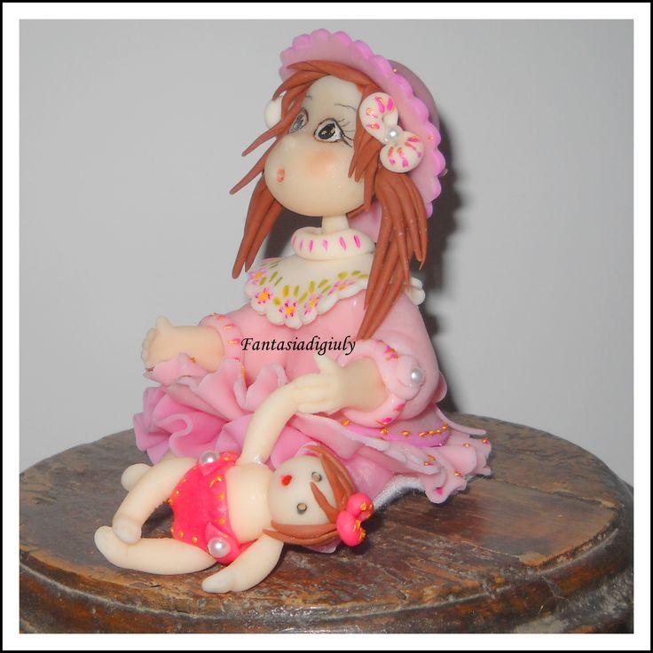 Una creazione di Giuliana B: Bambola in pasta di mais , modellata a mano e dipinta.  www.fantasiadigiuly.com