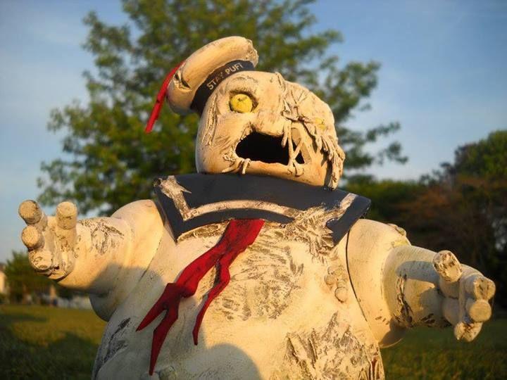 Gnombies Garden: Zombie Stay Puff Figure.
