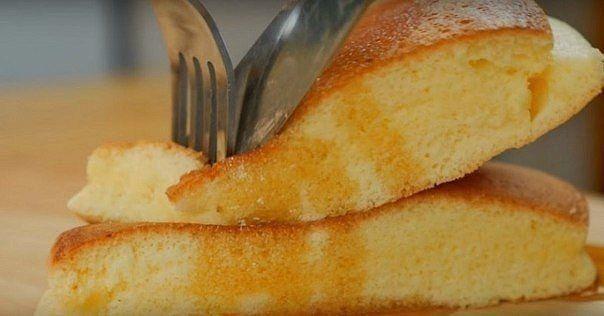Вкусные и очень пышные оладьи<br>#еда #рецепты #кулинария<br><br>Ингредиенты: <br><br>5 яиц<br>60 г муки<br>70 г сахара<br>2 г разрыхлителя<br>1 ч. л. ванильного экстракта<br>щепотка соли<br><br>Приготовление:<br><br>Размешай 5 желтков с 40 г сахара, солью, разрыхлителем и ванильным экстрактом. Д..