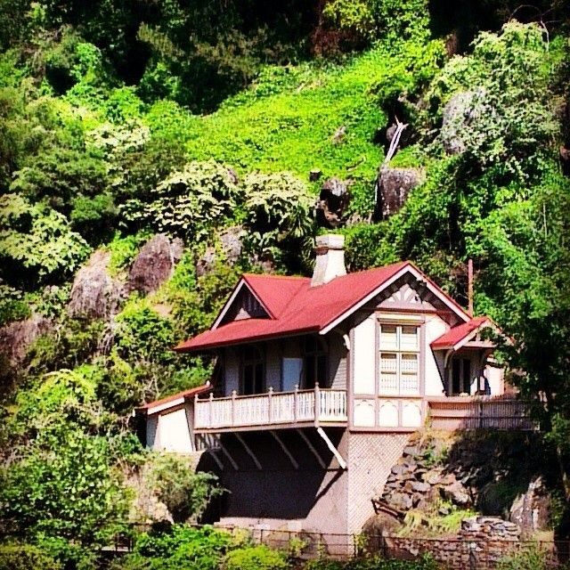 Kings Bridge Gorge Cottage in Launceston. The cottage was built in the 1890's as the original gate-keeper's cottage for the Cataract Gorge Reserve, and now houses an artists in residence program. #discovertasmania! #launceston #cataractgorge #northerntas Image Credit: Tiga Bu