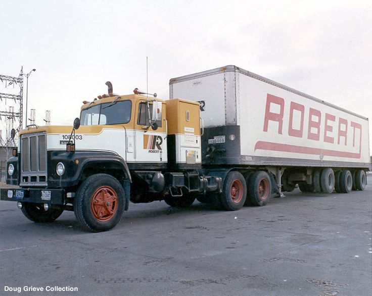 transport robert international paystar 5000 this is a quebed carrier semi trucks trailers. Black Bedroom Furniture Sets. Home Design Ideas