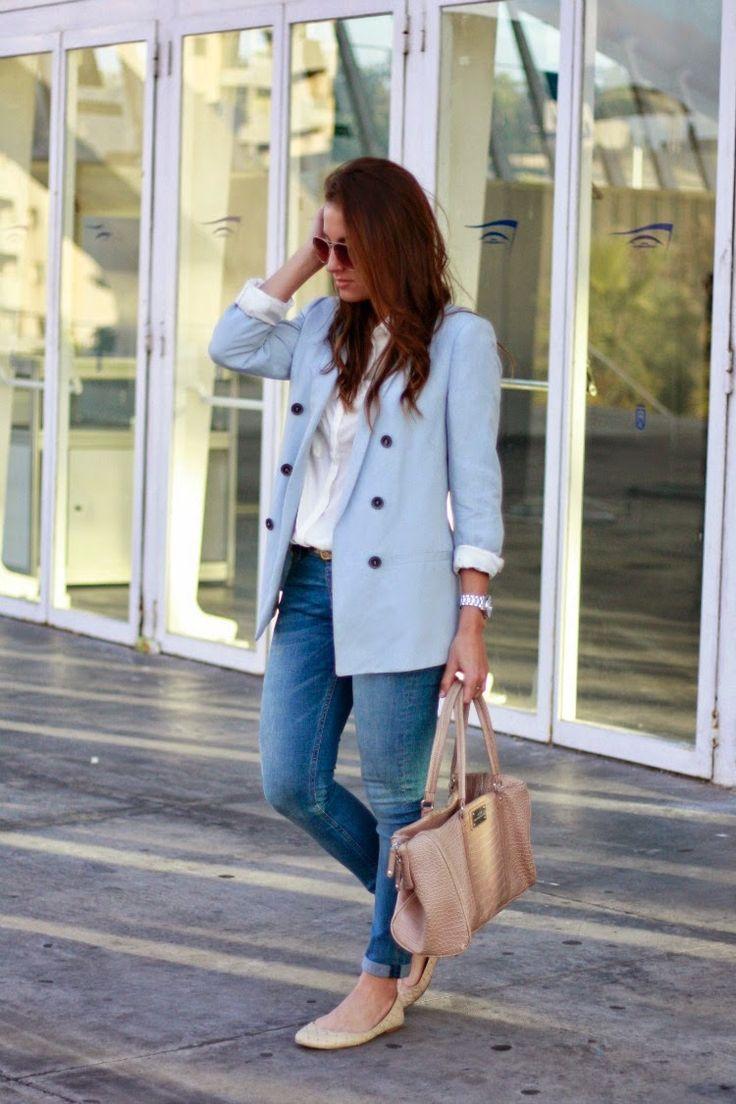 Como combinar blazer azul cielo mujer