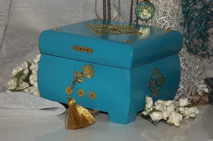 WOODEN Lock box. Kingfisher blue & Gold Lock and key Box. FREE matching pendant. Can be Personalised. Keepsake Box. Trinket Box. Jewellery by DAWNaffirmationBoxes on Etsy