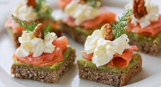Jednohubky s lososom a avokádom   Báječné recepty