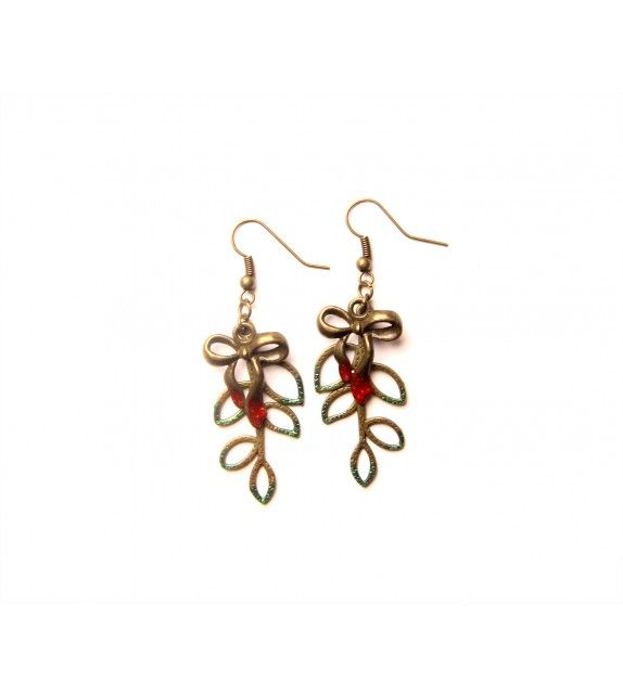 kiss me earrings. available at www.aconite.at